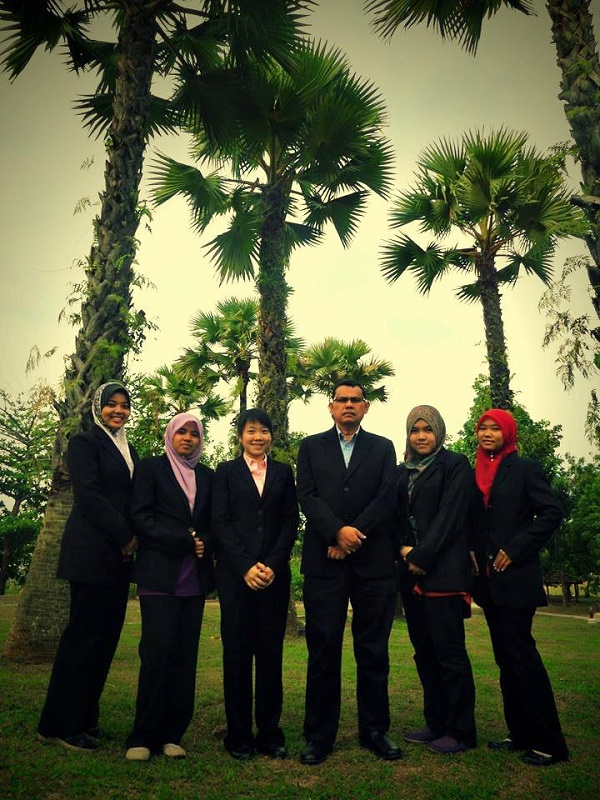 Team E-Z from Universiti Teknologi Malaysia